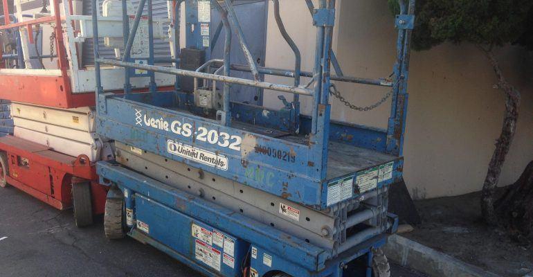 Used Genie GS-2032 Electric Scissor Lift