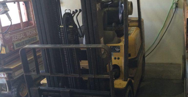 2000 Cat 5000Lb Forklift Propane